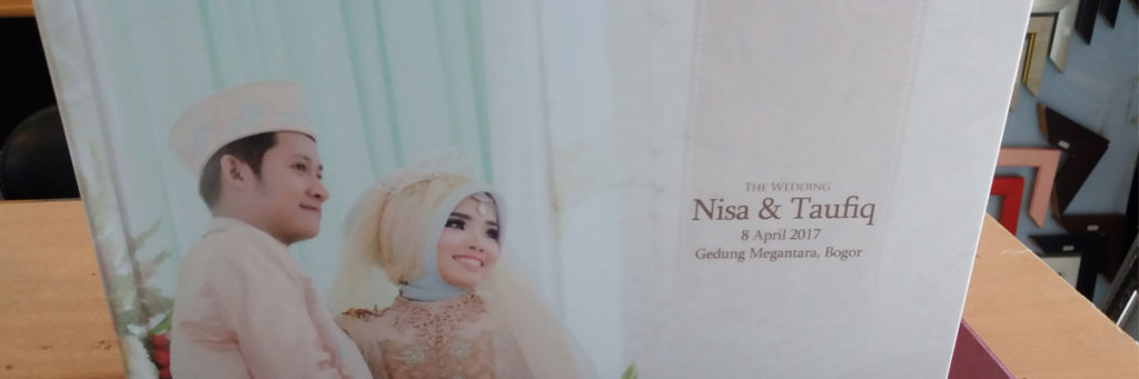 https://www.album-kolase.com/wp-content/uploads/2017/05/Hasil-Cetakan-Album-Kolase-Wedding-20x30-5-1024x341.jpg