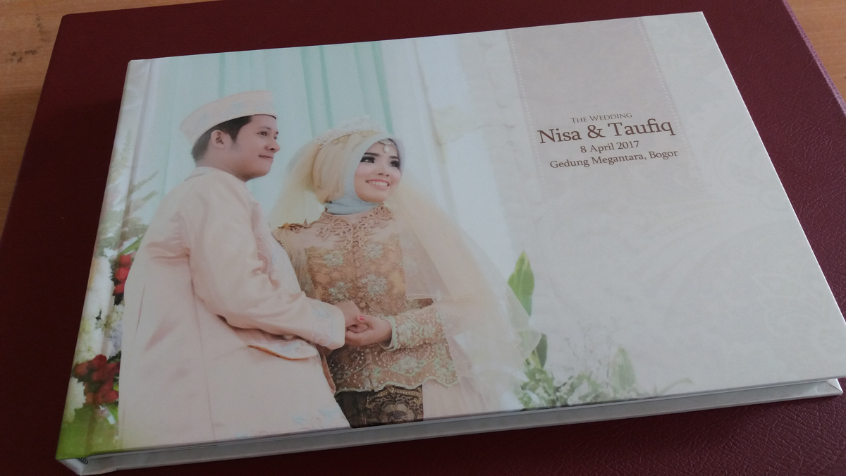 Hasil Cetakan Album Kolase Wedding 20x30